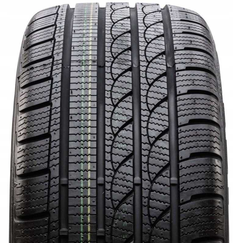 215/40R17 87V, Tracmax, Ice-PlusS210